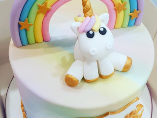 Lemon Drizzle Unicorn Cake