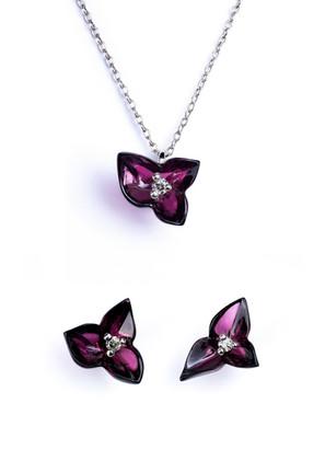 Suit Of Garnet Flowers.jpg