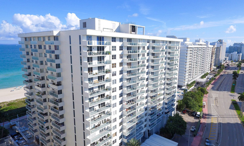 Arlen Beach Condominium