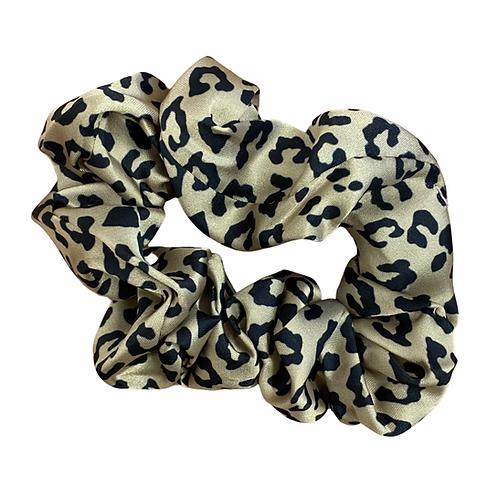 Classic leopard Hair Scrunchie