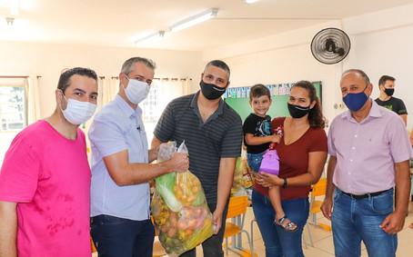 Mães aprovam Kit alimentação distribuídos para alunos da rede Municipal