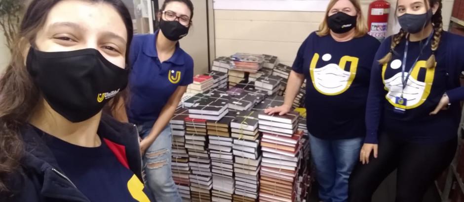 Biblioteca do Grupo UniEduK realiza doação anual de livros à ONG Instituto Acervo