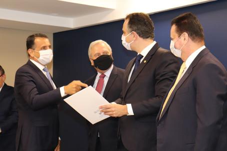 Associações comerciais fazem Carta e Manifesto em defesa das empresas