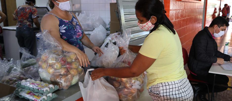 Prefeitura distribui cerca de 2.350 kits de alimentação no dia 18