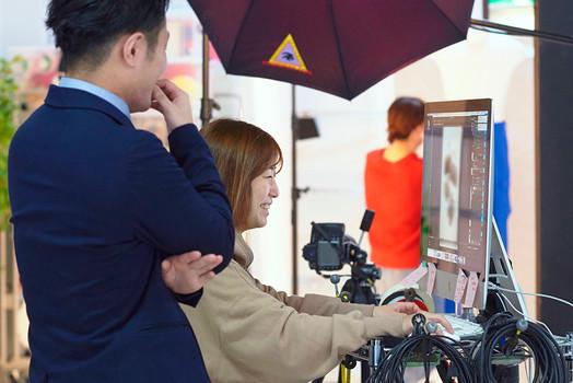 広告写真撮影の現場をご紹介!撮影スタッフとその役割