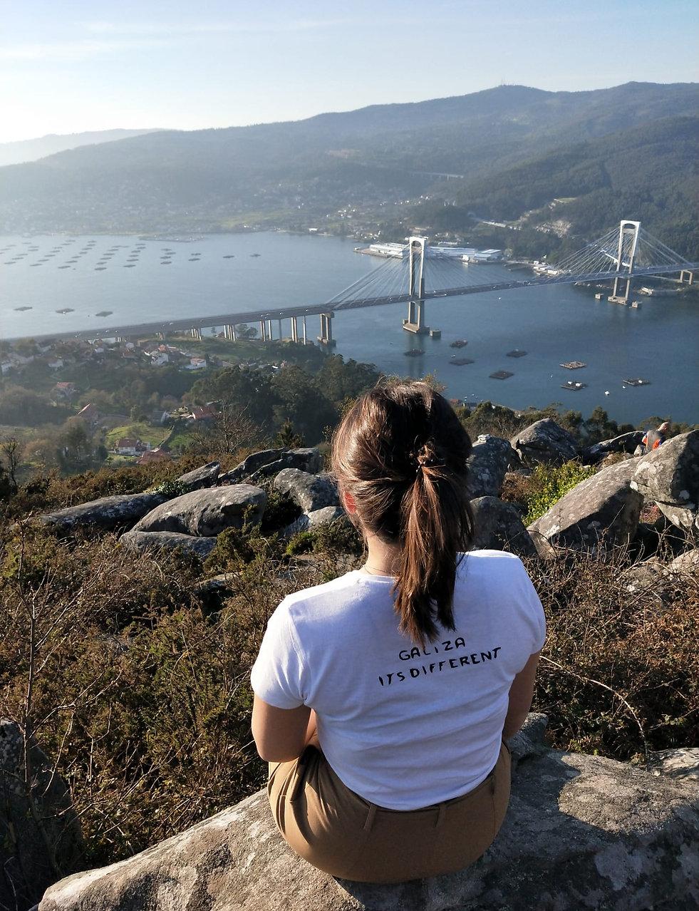 Camiseta Galiza- It´s different