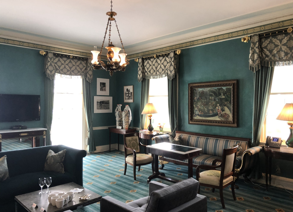 GRACIE MANSION LIBRARY 4