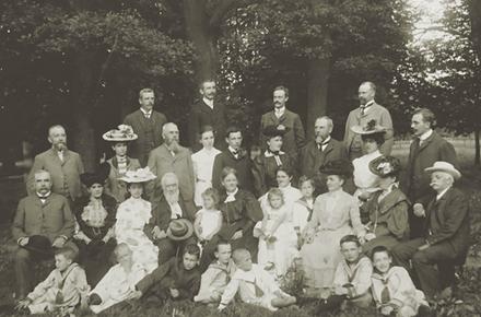 Abb. 2: Familienfoto der Steinvorths aus dem Jahr 1917 auf ihrer Finca