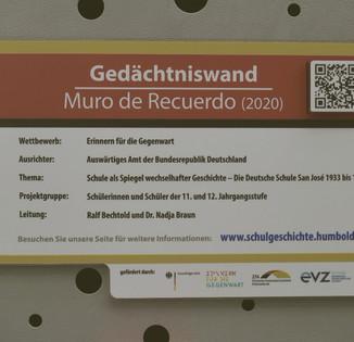 Abb. 5: Ein Tafel informiert die Besucher über das Projekt und leitet sie per QR-Code direkt zur Projekthomepage
