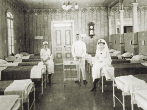 Fig. 5: El edificio de la Escuela Alemana usado como hospital