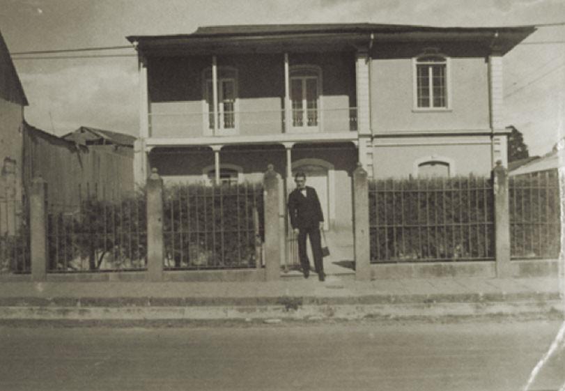 Abb. 1: Das Schulgebäude im Jahr 1915