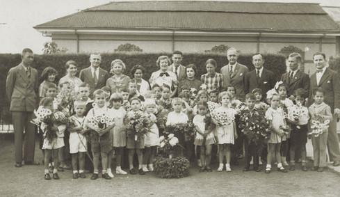 Abb. 4: Kindergartenfeier im Jahr 1937 anlässlich des 25. Jahrestages