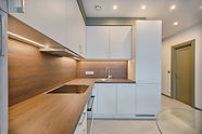 white-wooden-modular-kitchen-1643384.jpg