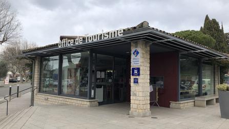 vitrine aluminium office tourisme vaison