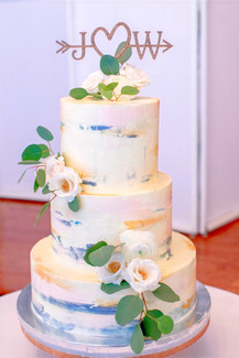 3-tier wedding cake with flower decor