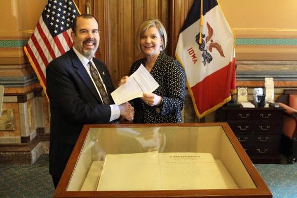 Senator Liz Mathis submitting her nomination papers to the Secretary of State's office