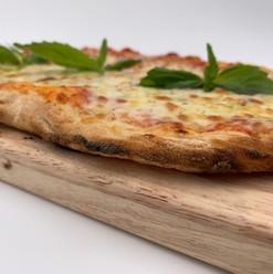 La Vera Pizza Margherita crust
