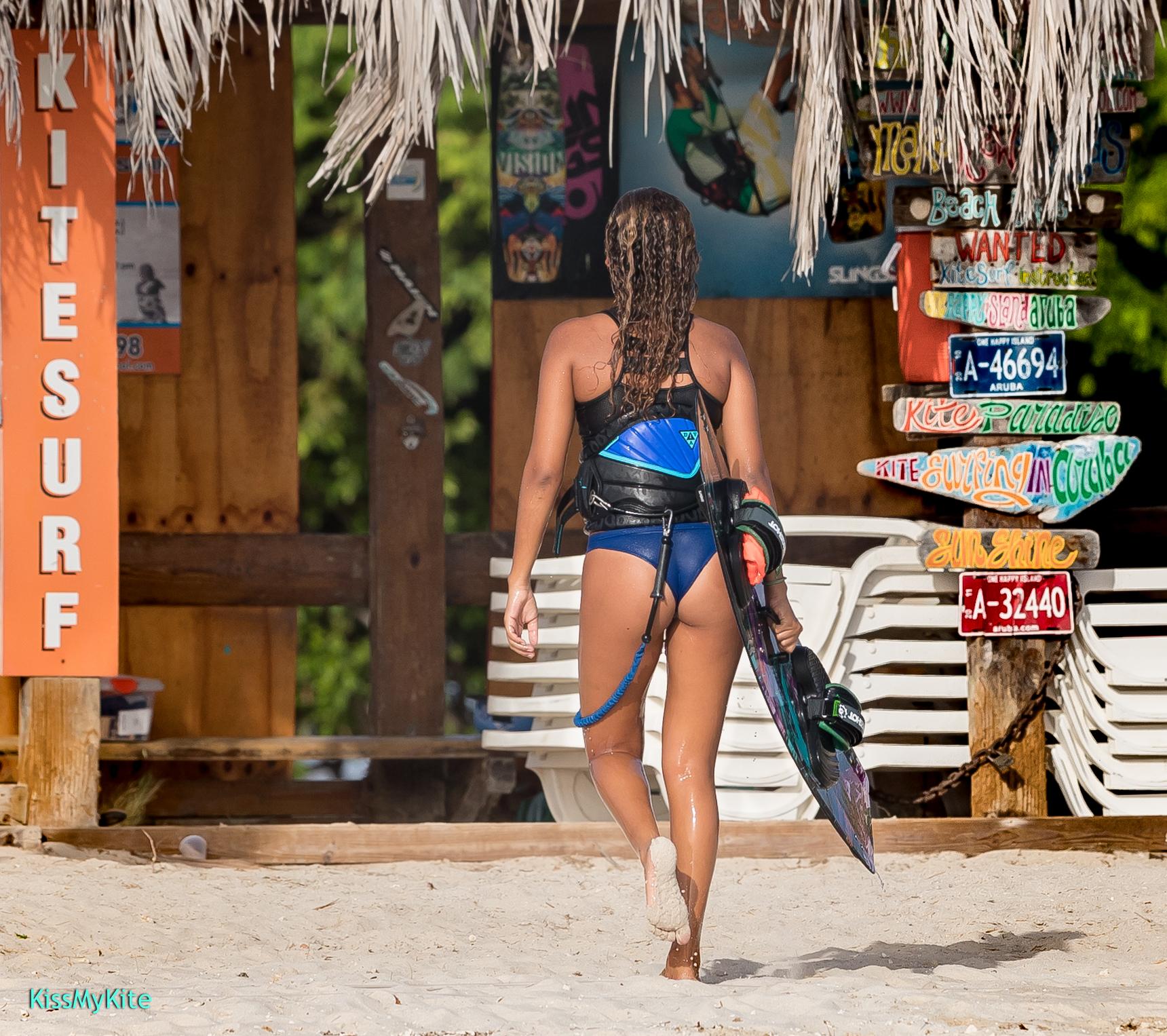 Zoë Loefstok Kitesurfing Aruba