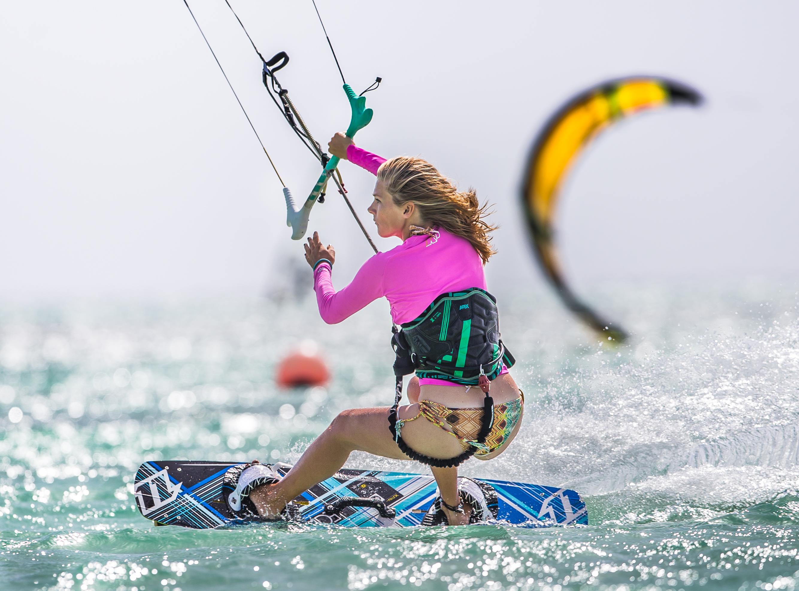 A73Q1810 Female Kitesurfers Aruba