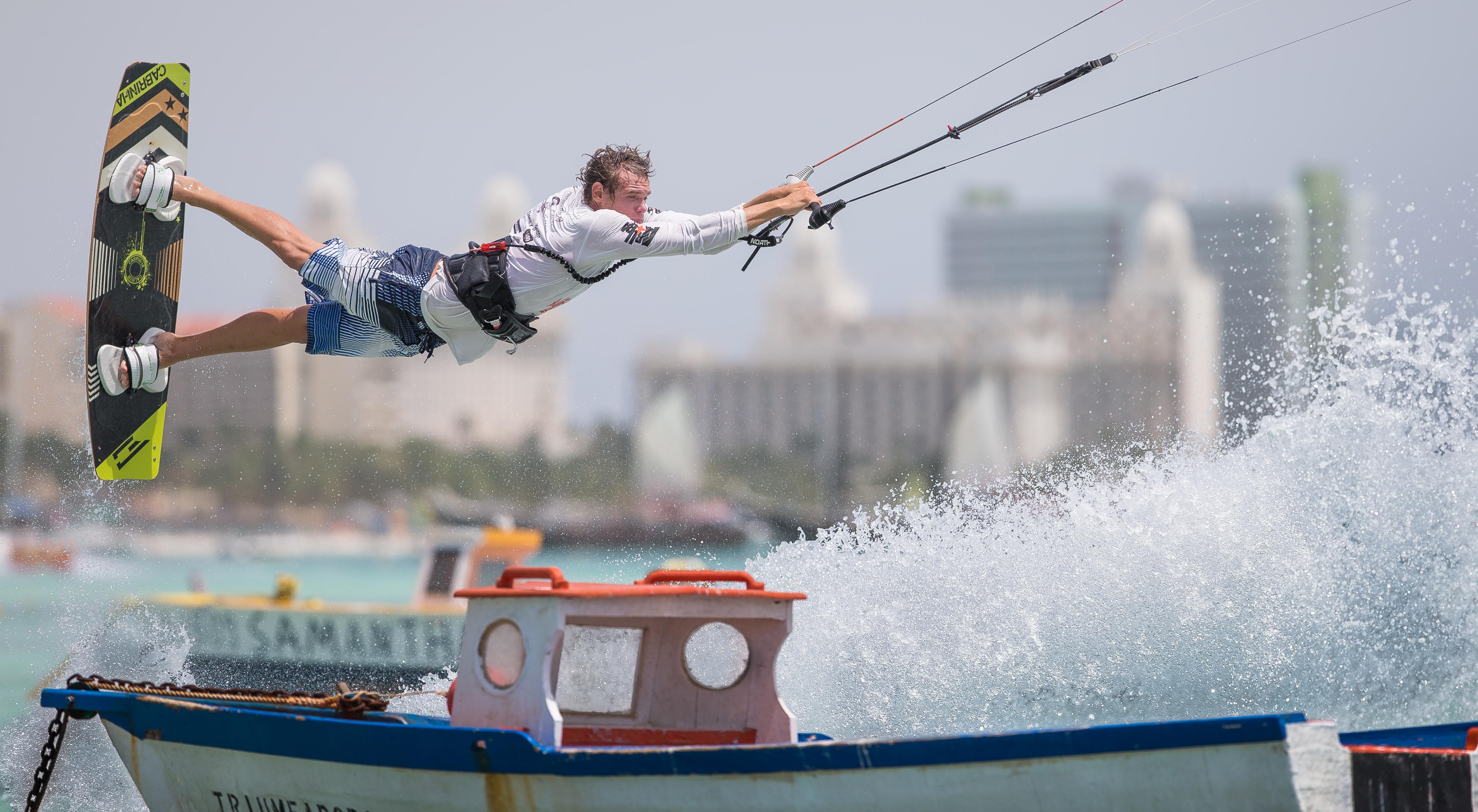 Daniel Kervel Kitesurfing in Aruba