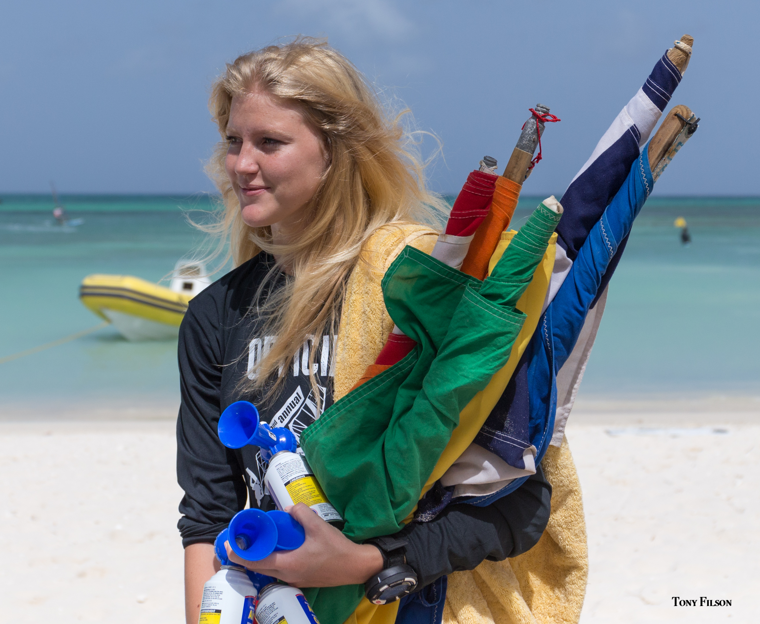 Ivy De Jonge Aruba Hi-Winds Flags