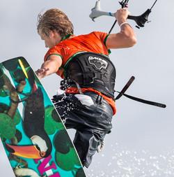 A73Q7262-1-2.jpg Kitesurfing Picture