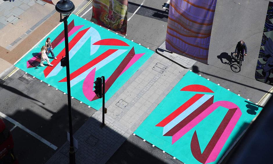 appleandhat-reviews-vanessa-jackson-public-art-piccadilly-london-2021-uptowndancing-abbey-