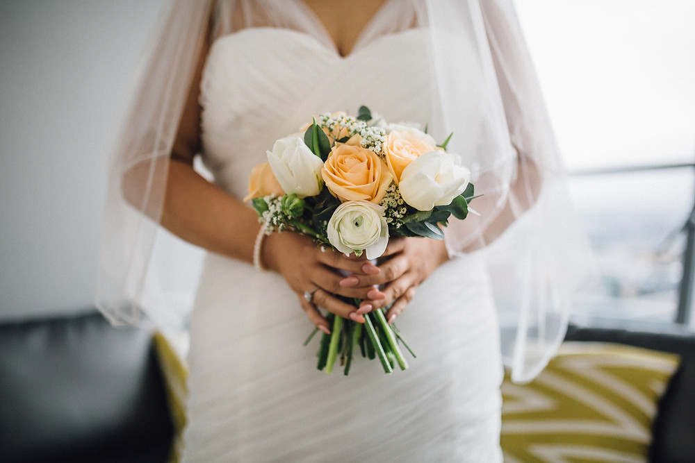 Bridal bouquet in peach and white