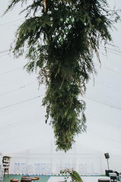 Large Hanging Foliage