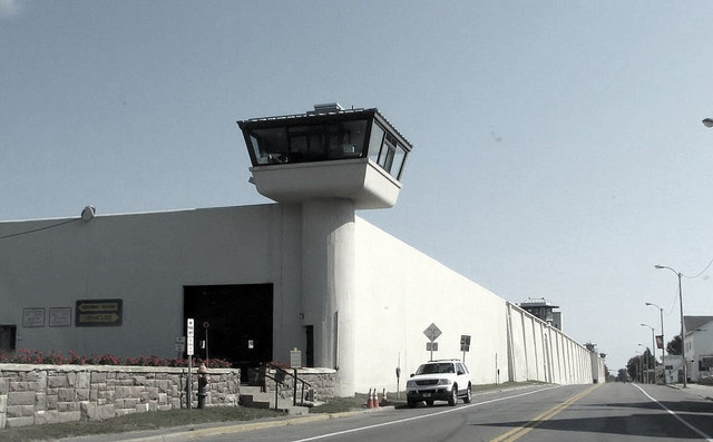 prison-torrance-ca