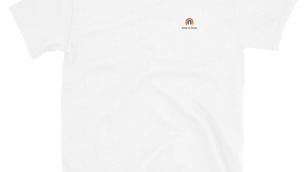 Love is Love. Unisex - T-Shirt - 100% Cotton