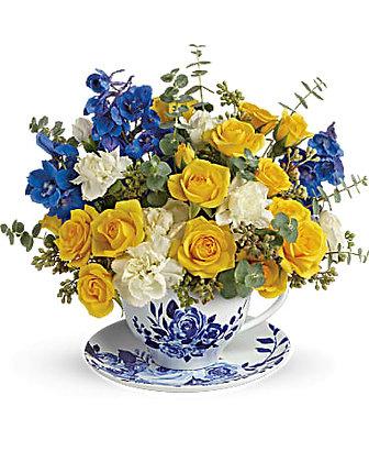 Teleflora's Pretty Teatime Bouquet