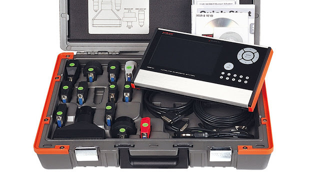 A high end Autoland Scientech iScan II WT with all connectors and cables in molded case.