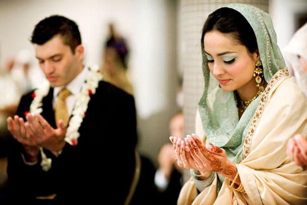 Register on the Matrimonial Portals to Find Zaroorat Rishta for Boys