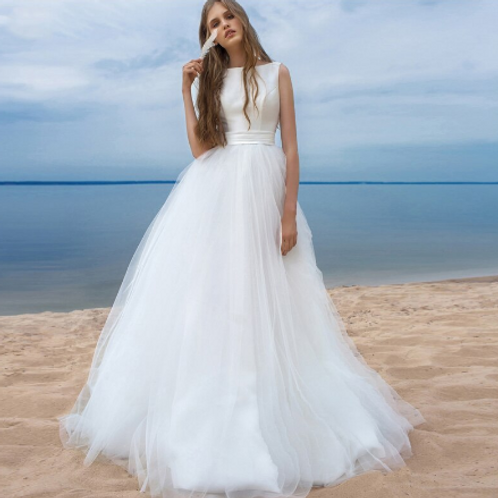 EA174 Pretty Satin Tulle Wedding gown with a cute bow