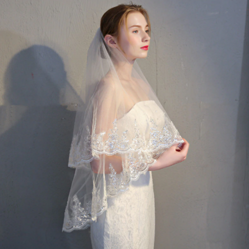 EAV004 Gorgeous two layer tulle lace veil with bling