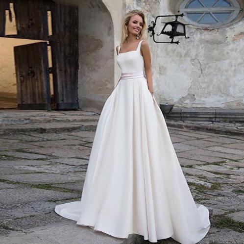 EA139 Elegant Satin Wedding gown with pockets