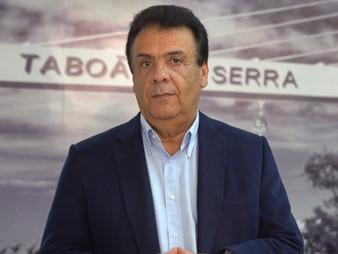 Fernando Fernandes decreta calamidade pública e proíbe funcionamento de comércios em Taboão