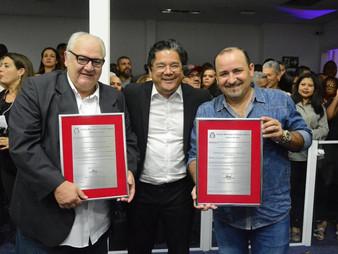 """Dr. Ronaldo Onishi entrega título de """"Cidadão Taboanense"""" a Dr. Robortella e ao empresário Edjalma P"""