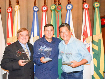 Vereador Dr. Ronaldo Onishi ganha prêmio Promotores do Desenvolvimento
