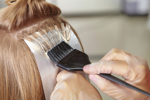 460389871-hair-dye-600x401.jpg