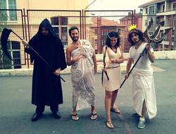 Aquí estamos Hades , Zeus , Artemisa y Poseidón en la actividad que preparamos para las colonias del