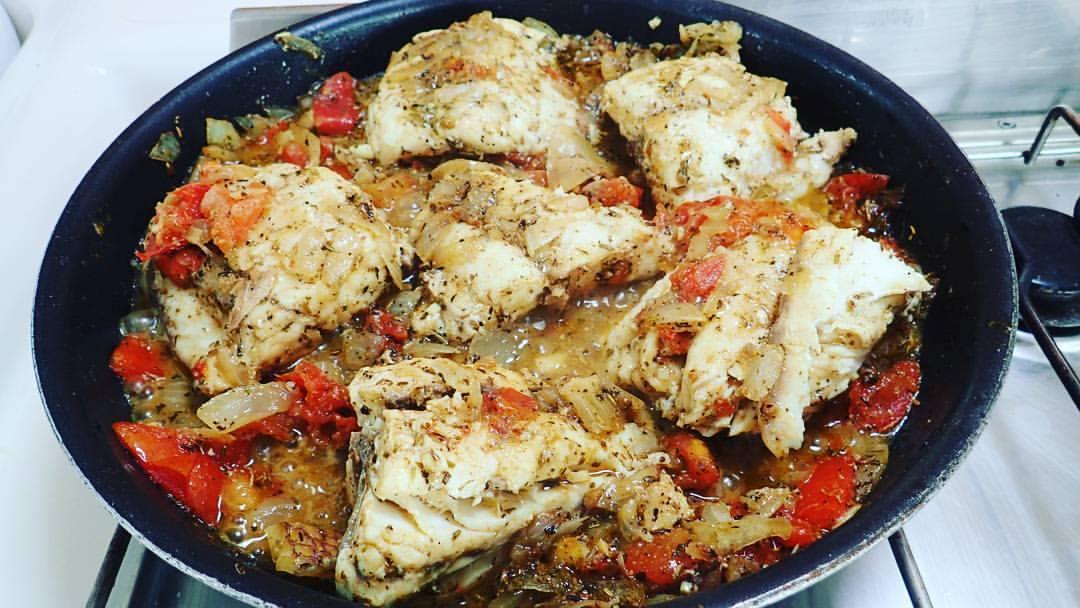 catamaran_food