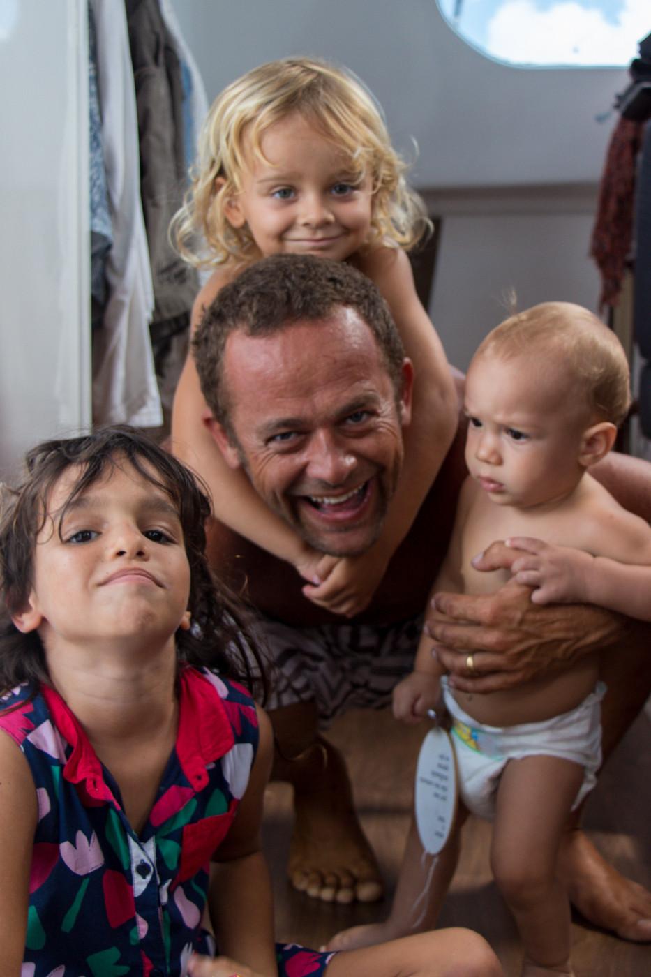 Festa com as crianças do Cabo Frio, Albert e Lilou