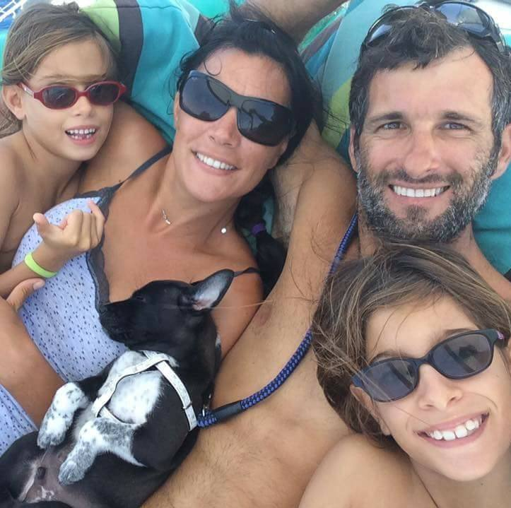 catamaran_family_roca