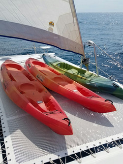 CatFountainePajot_Salina48fts_kayak