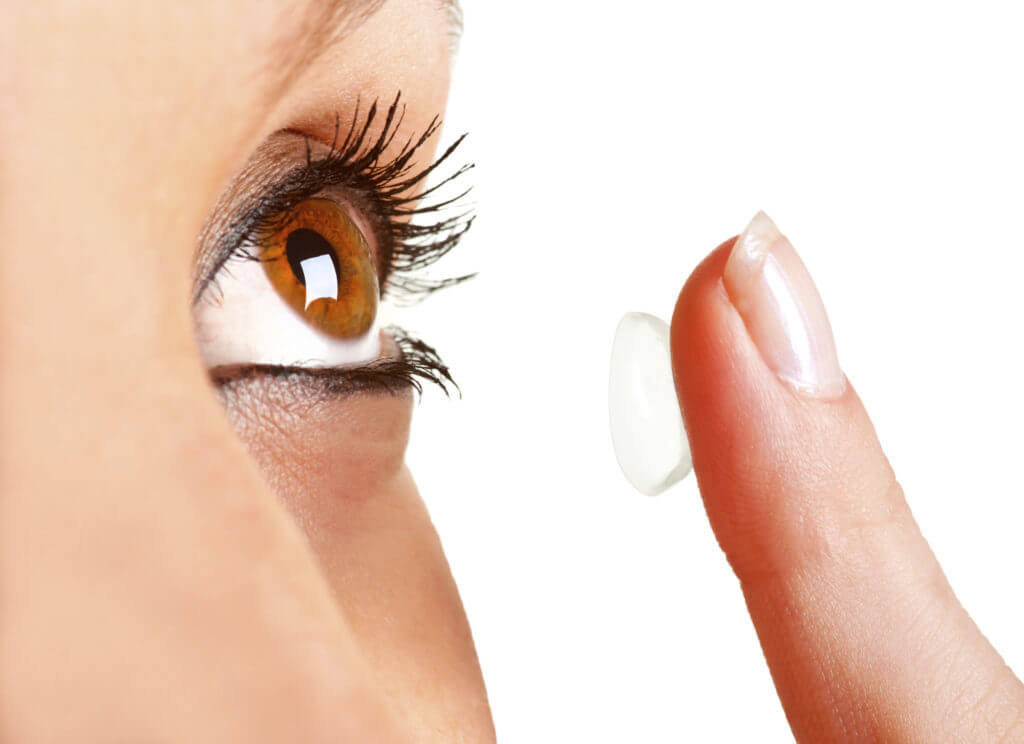 Aplikace kontaktních čoček