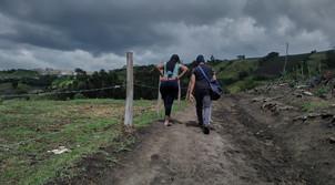 """""""Nosotros nos conocimos en Cúcuta cuando íbamos cruzando a Colombia. Nos hemos venido cuidando en la carretera desde que nos vinimos hacia el sur. Vamos a var si seguimos juntos en Ecuador"""" Douglenys, 32."""