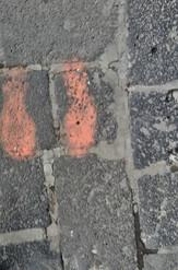 """""""Es como si los pasos se fueran a quedar grabados en la piedra de tanto andar"""" Alexi, 32."""