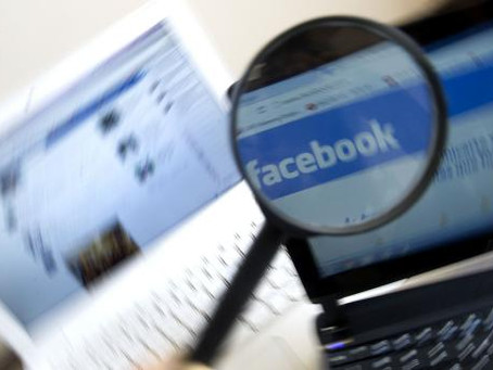 Controlla l'ex convivente entrando nella sua mail e sul suo profilo Facebook: è stalking (Cass. sez.